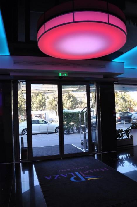 Usi automate Hotel Plaza Targu Mures