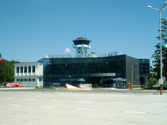 Usi automate glisante Aeroport International Iasi.
