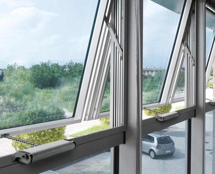 Automatizari ferestre, automatizari ferestre cu lant, ferestre automate, automatizari usi, automatizari desfumare